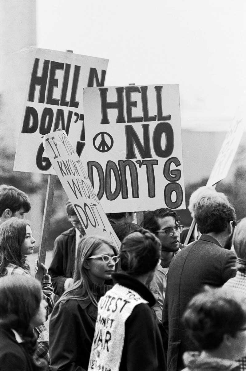 student anti war movement At its height in the 1960s, the civil rights movement drew children  many college student activists sacrificed or postponed their formal education.